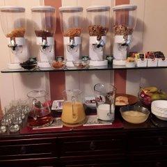 Отель Acer Lodge Guest House Эдинбург гостиничный бар