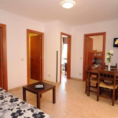 Отель Apartamentos AR Family Caribe Испания, Льорет-де-Мар - отзывы, цены и фото номеров - забронировать отель Apartamentos AR Family Caribe онлайн комната для гостей фото 3