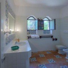 Отель Residence La Mannuta Италия, Гальяно дель Капо - отзывы, цены и фото номеров - забронировать отель Residence La Mannuta онлайн ванная