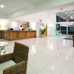 Отель Holiday Inn Cancun Arenas Мексика, Канкун - отзывы, цены и фото номеров - забронировать отель Holiday Inn Cancun Arenas онлайн интерьер отеля