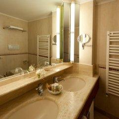 Отель Radisson Blu Resort, Terme di Galzignano Италия, Региональный парк Colli Euganei - 1 отзыв об отеле, цены и фото номеров - забронировать отель Radisson Blu Resort, Terme di Galzignano онлайн ванная