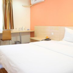 Отель 7 Days Inn Guangzhou Shangxiajiu Branch Китай, Гуанчжоу - отзывы, цены и фото номеров - забронировать отель 7 Days Inn Guangzhou Shangxiajiu Branch онлайн комната для гостей фото 4