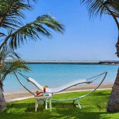 Al Raha Beach Hotel Villas пляж фото 2