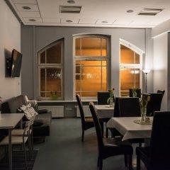 Отель Hill Inn Познань гостиничный бар