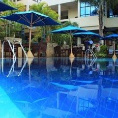 Merica Hotel бассейн