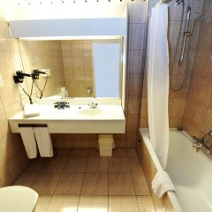 Отель City Inn Luxe Hotel Бельгия, Антверпен - 1 отзыв об отеле, цены и фото номеров - забронировать отель City Inn Luxe Hotel онлайн ванная фото 2