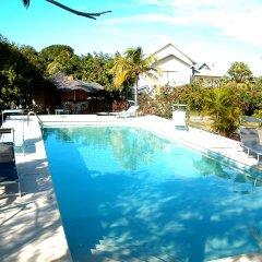 Отель Sunflower Villas Ямайка, Ранавей-Бей - отзывы, цены и фото номеров - забронировать отель Sunflower Villas онлайн бассейн