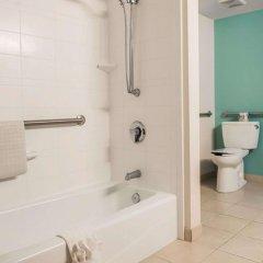 Отель Comfort Suites Lake City Лейк-Сити ванная