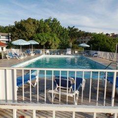 Отель Sea Horse Beach Studio At Montego Bay Club Resort Ямайка, Монтего-Бей - отзывы, цены и фото номеров - забронировать отель Sea Horse Beach Studio At Montego Bay Club Resort онлайн бассейн фото 2