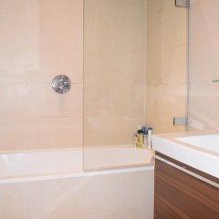 Отель Charming 2 Bedroom Apartment Next to Maltby Market Великобритания, Лондон - отзывы, цены и фото номеров - забронировать отель Charming 2 Bedroom Apartment Next to Maltby Market онлайн ванная фото 2