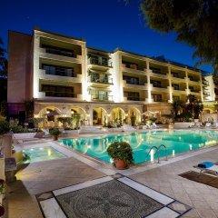Отель Rodos Park Suites & Spa бассейн