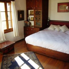 Отель Terrace Houses Sirince - Fig, Olive and Grapevine сейф в номере
