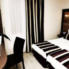 The Originals Hotel Paris Montmartre Apolonia (ex Comfort Lamarck) сейф в номере