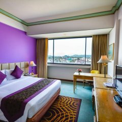 Metropole Hotel Phuket комната для гостей