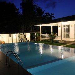 Отель Beach Grove Villas бассейн