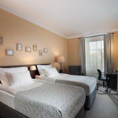 Отель Grandhotel Salva Литомержице сейф в номере