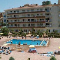 Отель Apartamentos Lotus Испания, Бланес - отзывы, цены и фото номеров - забронировать отель Apartamentos Lotus онлайн бассейн фото 2