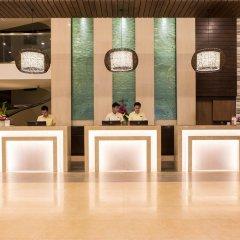 Отель Deevana Plaza Phuket интерьер отеля фото 3