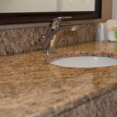 Отель Capital Hill Hotel & Suites Канада, Оттава - отзывы, цены и фото номеров - забронировать отель Capital Hill Hotel & Suites онлайн ванная