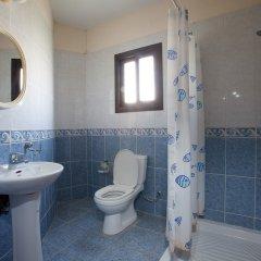 Отель Marinea Beach Villas ванная фото 2