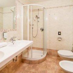 Hotel Almina Рачинес-Ратскингс ванная фото 2