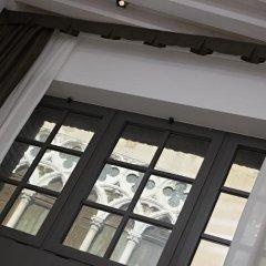 Отель Al Canal Regio сейф в номере