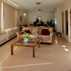 Отель Manoir dYouville интерьер отеля фото 2