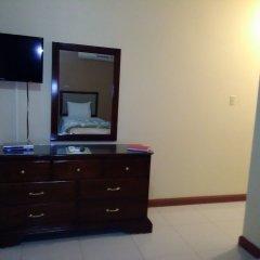 Glistening Waters Hotel удобства в номере