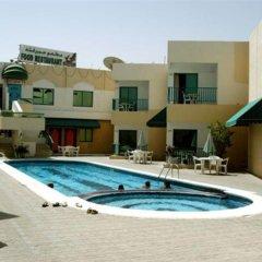 Отель Summerland Motel ОАЭ, Шарджа - 1 отзыв об отеле, цены и фото номеров - забронировать отель Summerland Motel онлайн бассейн