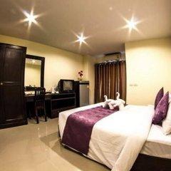 Отель Meesuk Place сейф в номере
