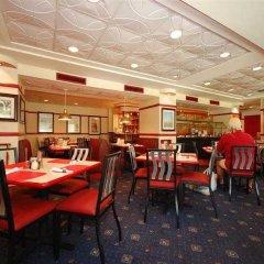 Отель Red Lion Hotel Arlington Rosslyn Iwo Jima США, Арлингтон - отзывы, цены и фото номеров - забронировать отель Red Lion Hotel Arlington Rosslyn Iwo Jima онлайн питание