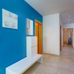 Отель Stunning Seafront Lux Apt wt Pool, Upmarket Area Мальта, Слима - отзывы, цены и фото номеров - забронировать отель Stunning Seafront Lux Apt wt Pool, Upmarket Area онлайн интерьер отеля