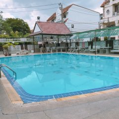 Отель Waratee Spa Resort Villa бассейн