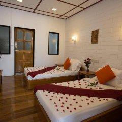 Teak Wood Hotel комната для гостей фото 5