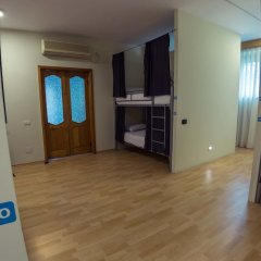 ART Hostel & Apartments Тирана удобства в номере