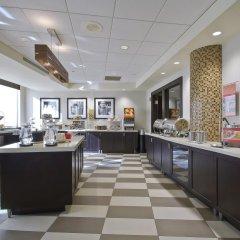 Отель Hampton Inn & Suites Columbus - Downtown питание фото 2