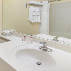 Отель Ramada Plaza & Conf Center by Wyndham Calgary Airport Канада, Калгари - отзывы, цены и фото номеров - забронировать отель Ramada Plaza & Conf Center by Wyndham Calgary Airport онлайн ванная