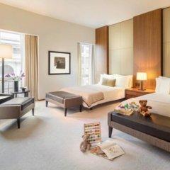 Отель The Langham, New York, Fifth Avenue Стандартный семейный номер с различными типами кроватей фото 2