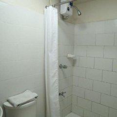 Отель El Rico Suites Филиппины, Макати - отзывы, цены и фото номеров - забронировать отель El Rico Suites онлайн ванная фото 2