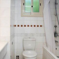 Отель Paphos Gardens Holiday Resort ванная фото 2