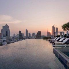 Отель Marriott Bangkok The Surawongse Бангкок бассейн
