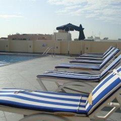 Отель Royal Ascot Hotel ОАЭ, Дубай - отзывы, цены и фото номеров - забронировать отель Royal Ascot Hotel онлайн бассейн фото 3