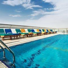 Отель Four Points by Sheraton Sheikh Zayed Road, Dubai бассейн фото 2