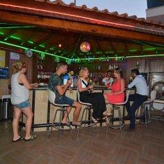 Kleopatra Arsi Hotel Турция, Аланья - 4 отзыва об отеле, цены и фото номеров - забронировать отель Kleopatra Arsi Hotel онлайн гостиничный бар