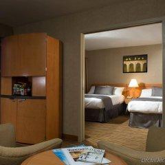 Отель Delta Hotels by Marriott Vancouver Downtown Suites Канада, Ванкувер - отзывы, цены и фото номеров - забронировать отель Delta Hotels by Marriott Vancouver Downtown Suites онлайн комната для гостей фото 2