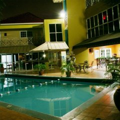 Отель Altamont Court Hotel Ямайка, Кингстон - отзывы, цены и фото номеров - забронировать отель Altamont Court Hotel онлайн бассейн фото 3
