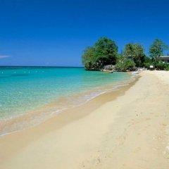 Отель I Heart JA Serendipity Runaway Bay Ямайка, Ранавей-Бей - отзывы, цены и фото номеров - забронировать отель I Heart JA Serendipity Runaway Bay онлайн пляж
