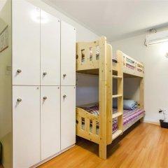 Отель Bauhaus сейф в номере
