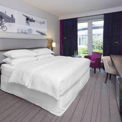 Отель Sheraton Düsseldorf Airport Hotel Германия, Дюссельдорф - 1 отзыв об отеле, цены и фото номеров - забронировать отель Sheraton Düsseldorf Airport Hotel онлайн комната для гостей фото 4