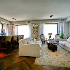 Отель Bird view Home Рамат-Ган гостиничный бар